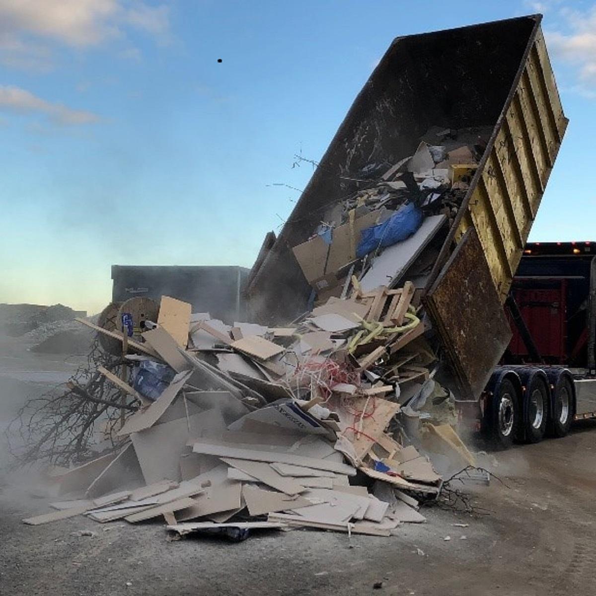 Bygg- och rivningsavfall är en av de största avfallsströmmarna i Europa och uppskattas till omkring 800 miljoner ton per år inom EU (Europeiska kommissionen, 2019). Projektets ambitioner har varit att öka kunskapen kring sammansättningen av brännbart bygg- respektive rivningsavfall och att ta fram rekommendationer till åtgärder för att säkerställa att det avfall som går till energiåtervinning bara består av sådant som inte kan återvinnas effektivare på annat sätt.